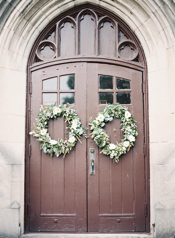 wedding-ceremony-wreath-ideas
