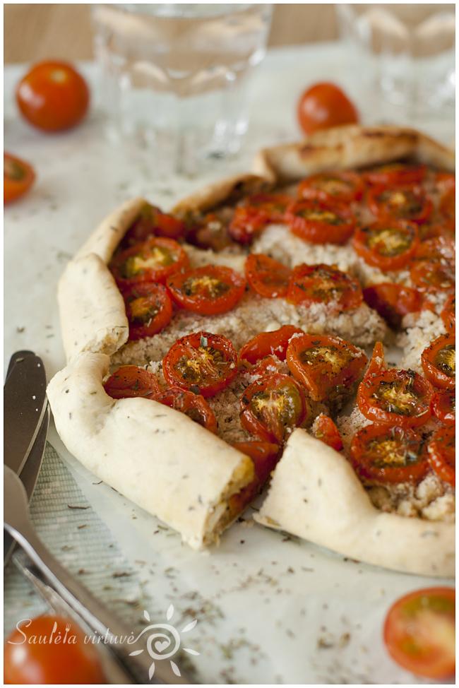 Pyragas su varškės sūriu ir pomidorais (2)