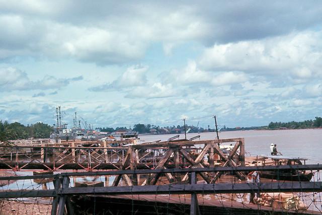 SAIGON 1965 by Dick Lee - Sông Saigon