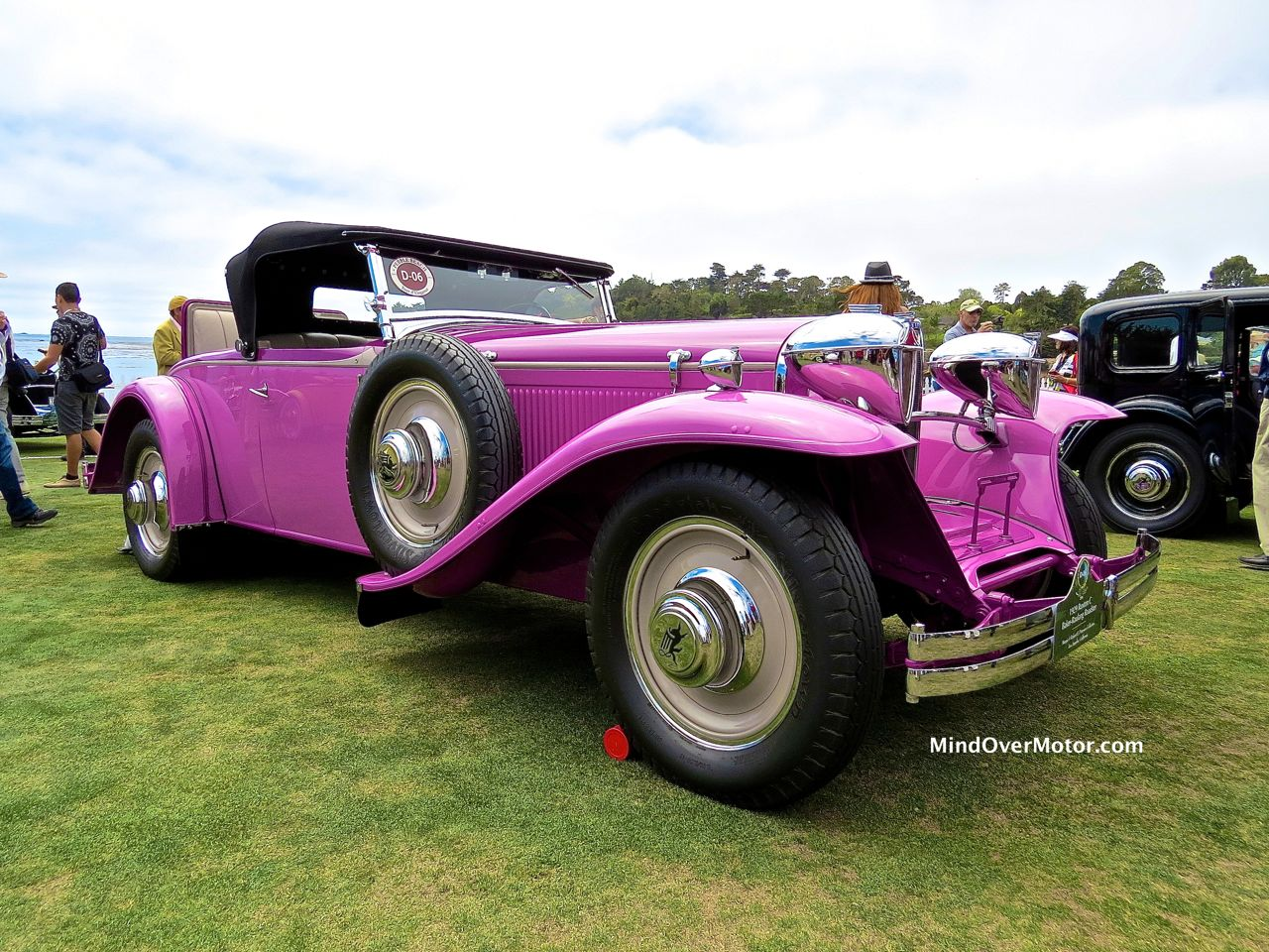 1929 Ruxton Side