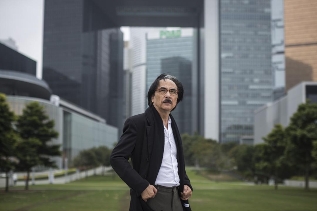 朱福強是香港檔案處前處長,退休後長期在民間揭發政府銷毀檔案的問題,倡議設立《檔案法》。