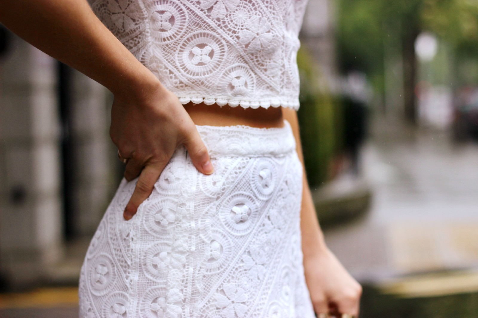 Missguided white lace two piece 8