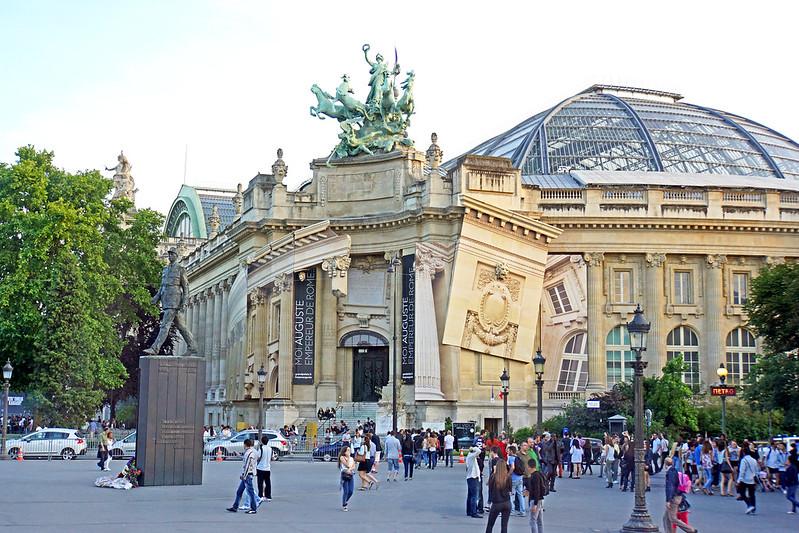 France-000189 - Big Palace