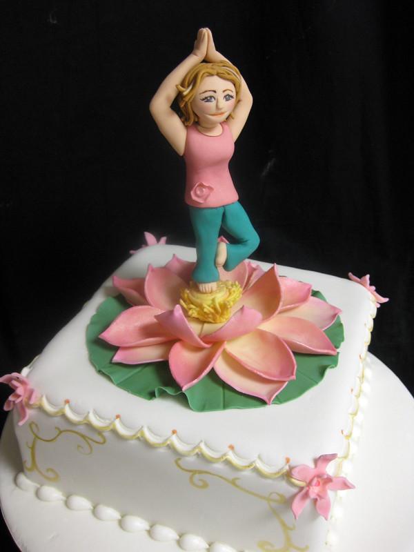 Red Lotus Cake Design : Hand Sculpted Sugar Figurines Oakleaf Cakes Bake Shop