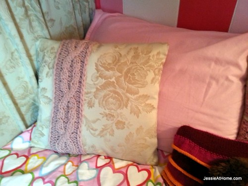 Cabled-Cable-Pillow-Cover