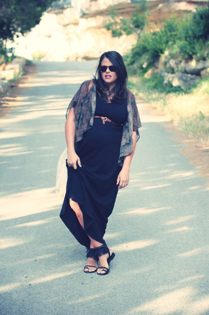 Look Vestido negro largo + Kimono