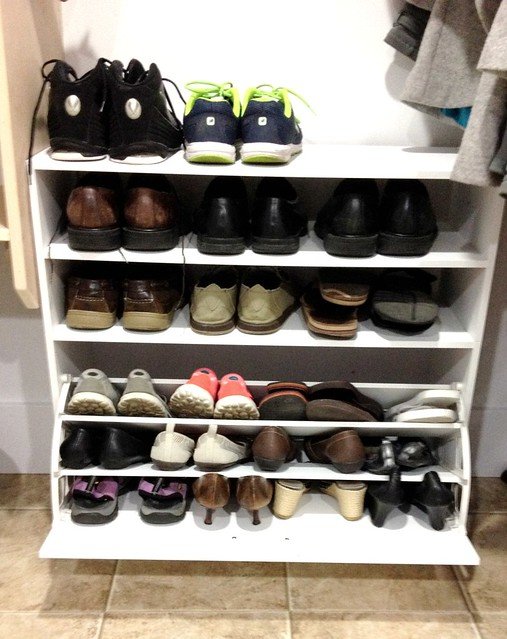 mudroom shoe shelves