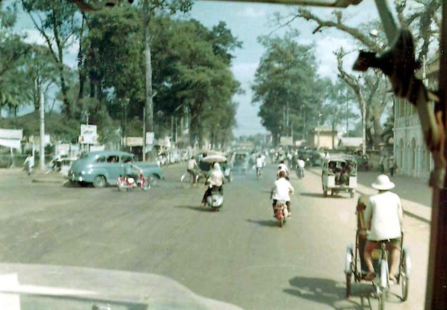 Saigon 1967 - Đường Chi Lăng, ngã ba Chi Lăng-Nguyễn Văn Học (ngã ba trường Vẽ)