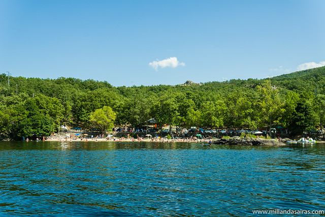 Playa de Viquiella desde el lago
