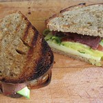 Rezepte von Nigel Slater©Pickled Cucumber, Bresaola, Emmentaler sandwich