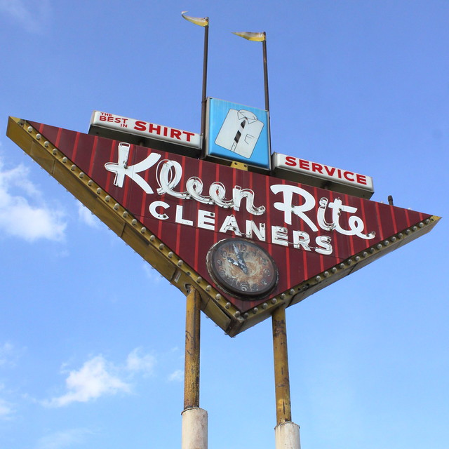 Kleen Rite Cleaners - 600 South Virginia Street, Hopkinsville, Kentucky U.S.A. - May 12, 2014