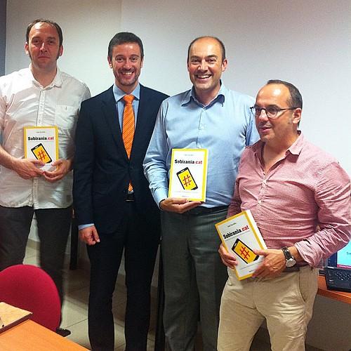 Presentació del llibre #SobiraniaCAT a Vilanova i la Geltrú amb Carles Campuzano, Jordi Solé i David Andreu #llibres #libros #books #vng #vilanova #garraf #barcelona #catalonia #catalunya #internet #igersv #igersarenys #igerspineda #instagrafic #igerscale