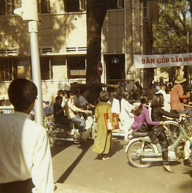 SAIGON 1970 by Michael Belis - Ngã tư Tự Do-Gia Long
