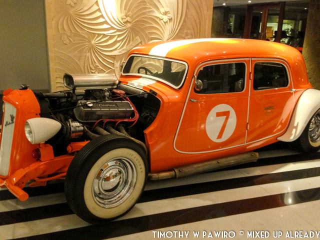 Indonesia - Bali - Harris Hotel Bukit Jimbaran - Decration - Antique car (02)
