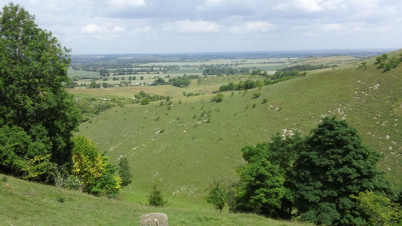 Vista Pegsdon Hills & Hoo Bit Nature Reserve