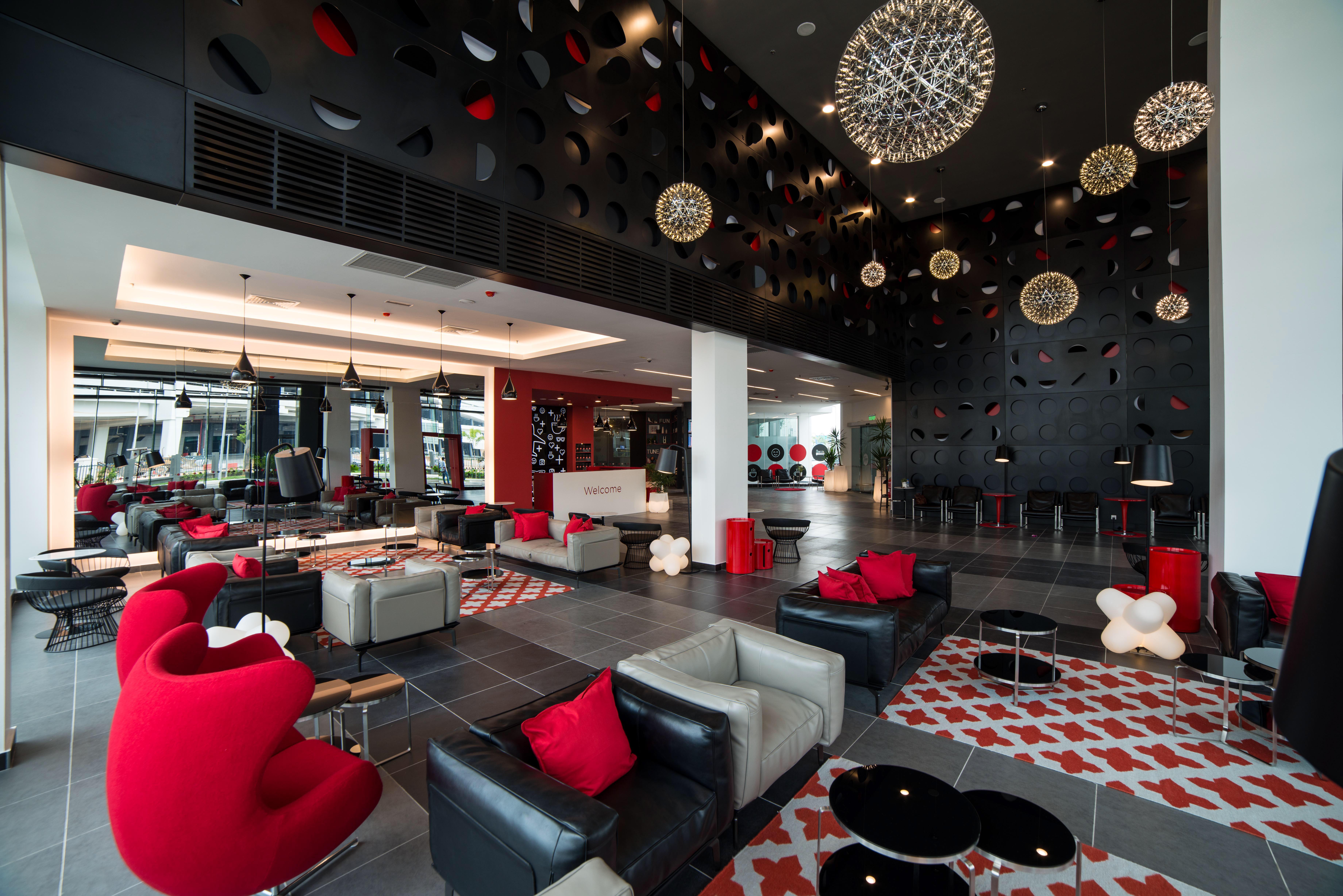 Tune Hotel klia2 - Lobby