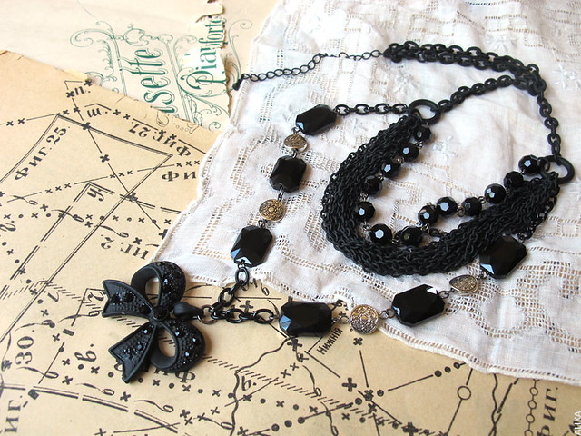 Black Victorian necklace with a bow pendant
