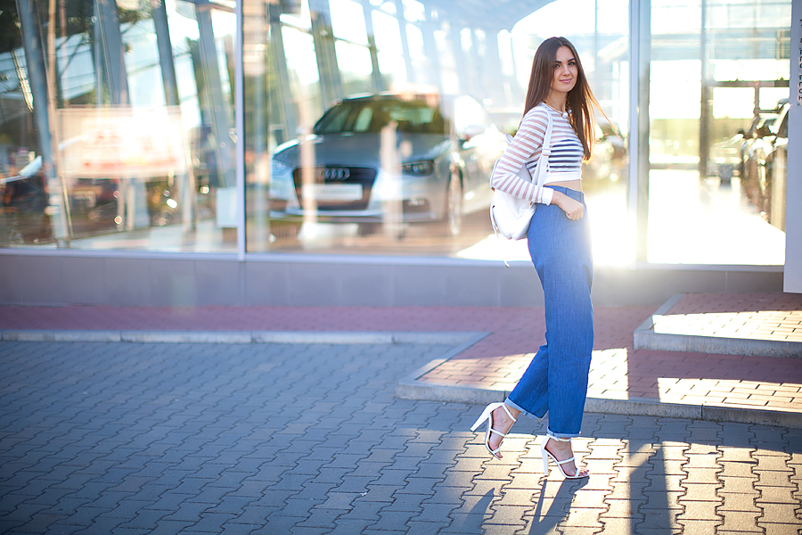 nika_huk_fashion_blogger_ukraine_cropped_top_wide_jeans_street_style_outfit_personal_style