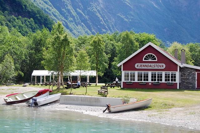 Olden Lake Cafe