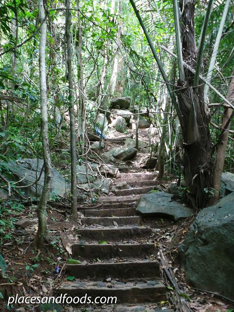 phu pha phet cave hiking
