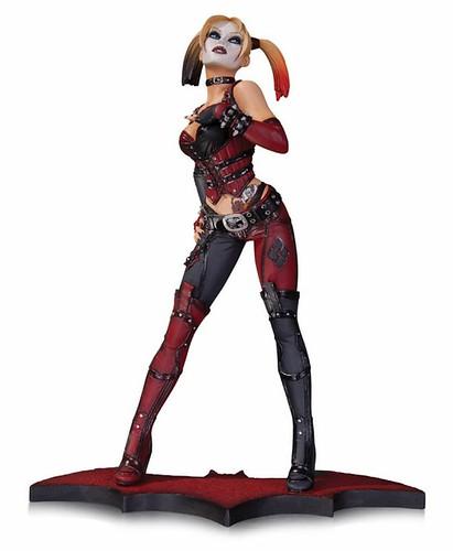 Batman Arkham City Statue Harley Quinn