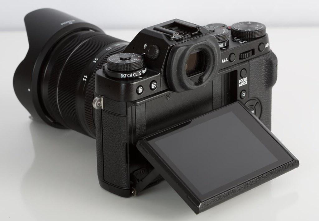 fuji-x-t1-back-articulated-screen
