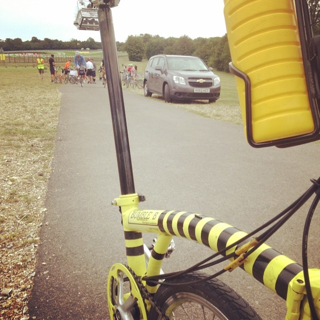 2nd pitstop on the meander. #urban #bromptonbicycle #bwc2014