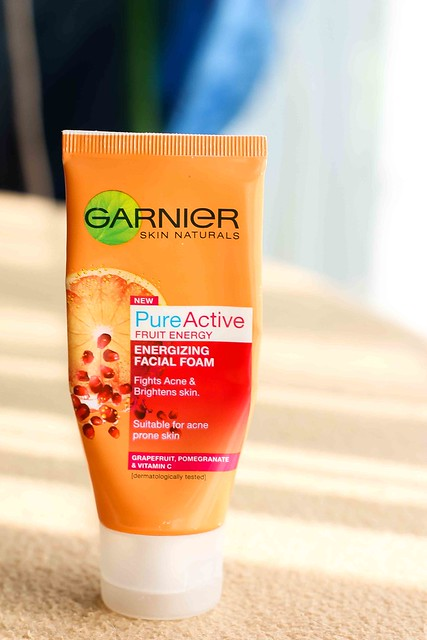 Nitty Gritty Review: Garnier Pure Active Fruit Energy Energizing Facial Foam