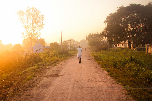 india sunrise trekking walking drive countryside waterfall village cows paddy earlymorning oldman greenery rays hyderabad tamron goldenhour nirmal gayatri andhrapradesh adilabad telangana canon550d kanakai