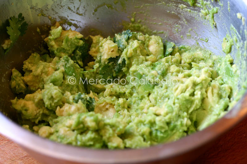 ROASTED TOMATILLO GUACAMOLE-11