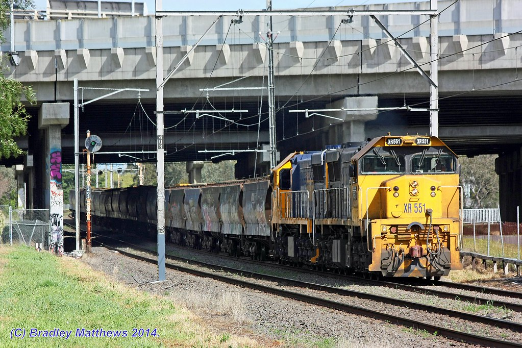 XR551-XR550 with #9543 empty PN grain from Kensginton to Tottenham vi Somerton at Pascoe Vale (10/9/2014) by Bradley Matthews
