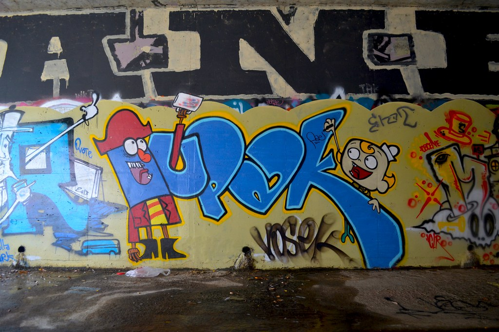 Tupac, Tapak, Graffiti, Eastbay, chillspot, the yard, tunnel