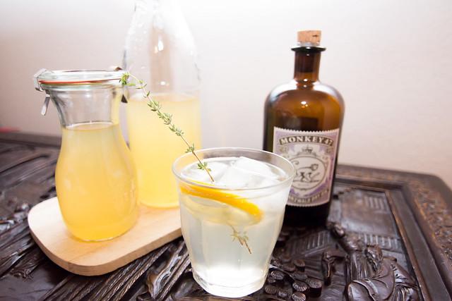 Lemon Rosemary Gin Fizz Coctail