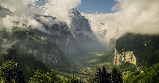 Lauterbrunnen – údolí 72 vodopádů