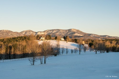 theredhorseinn blueridgemountains romanticgetaway romanticview romantic bedandbreakfast landrum snow field greenville sc
