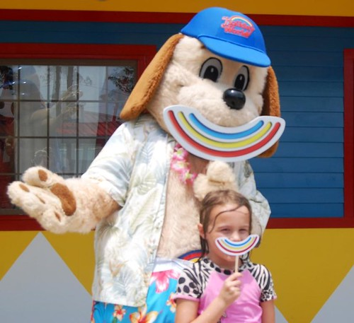 HoliSmiles with Holidog at Holiday World