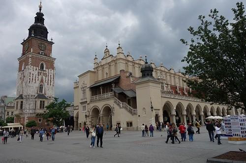 旧市庁舎と織物会館