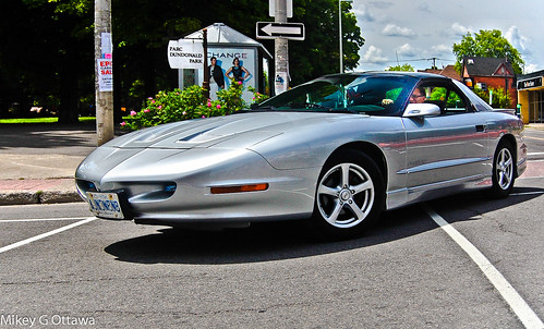 Pontiac Firebird Stre-tched -   Ottawa 07 14