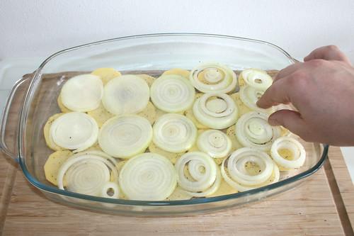 16 - Zwiebeln einschichten / Add onions