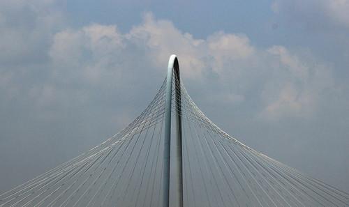bridge blue sky sun art clouds canon dallas community scenery texas steel creative cable santiagocalatrava fascinating xsi 2014 adifferentpointofview margarethunthillbridge