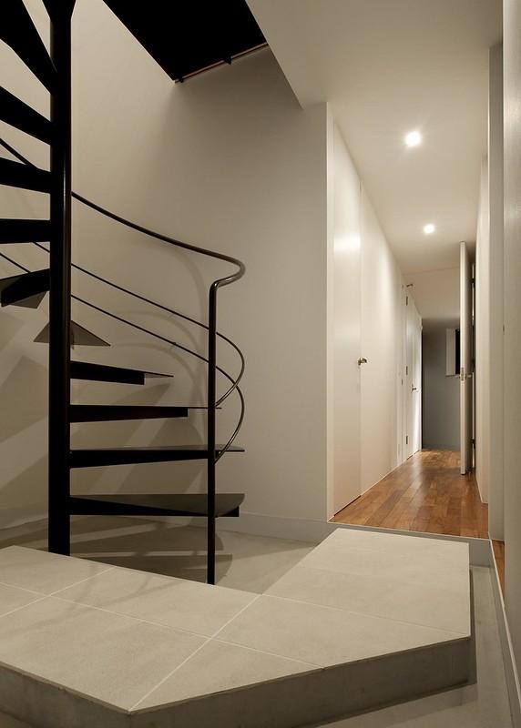 05 玄関・階段