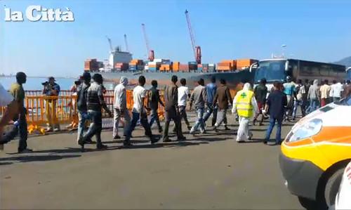 sbarco profughi salerno