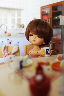 Belle, Wake up!! Breakfast is ready!!