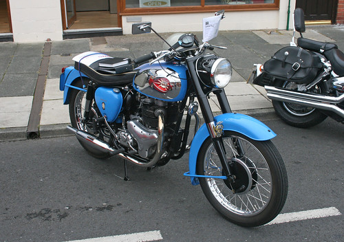 BSA Goldenflash