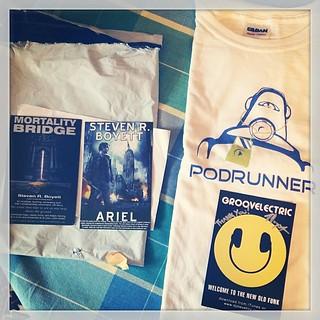Podrunner t-shirt. #groovelectric #djsteveboy #podcasting