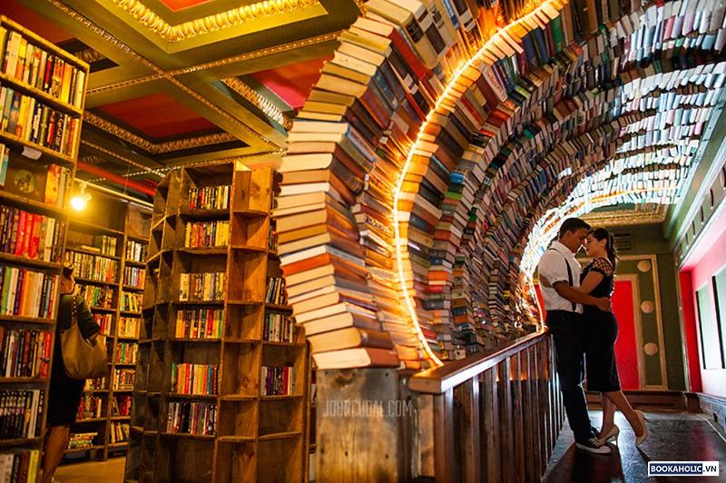 The Last Bookstore (Los Angeles)