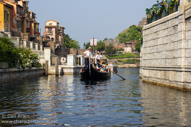 Taking a trip on the Venetian Gondolas