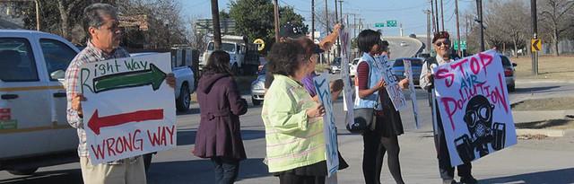 """Quintana Rd """"No Thru Trucks""""  Protest"""