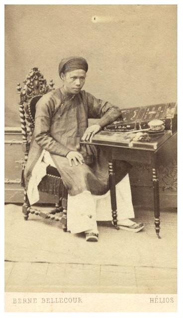 1863 Ông Trương Vĩnh Ký (1837-1898), khi 26 tuổi, phiên dịch trong sứ đoàn Phan Thanh Giản