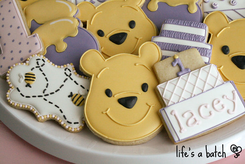 Pooh's 1st Birthday cookies.
